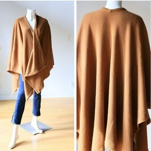 AQUASCUTUM Classic Timeless Camel Wool Wrap Cape